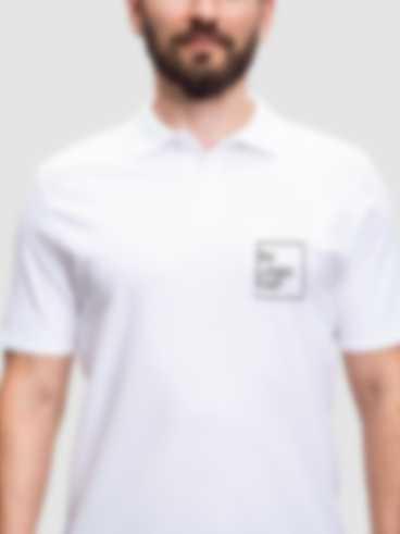 Polo Shirt mit personalisiertem Stick Design