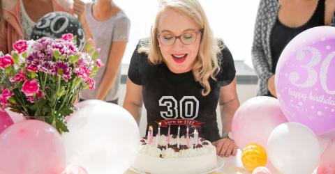 Create Personalised Birthday Gifts Online
