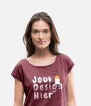 Vrouw met bedrukt T-shirt