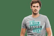 Mann mit bedrucktem T-Shirt