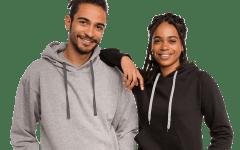 Mężczyzna i kobieta mają na sobie bluzy z kapturem do samodzielnego zaprojektowania