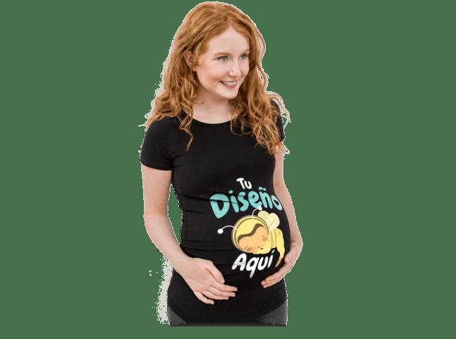 Embarazo - Embarazada lleva una camiseta impresa y diseñada por ella misma