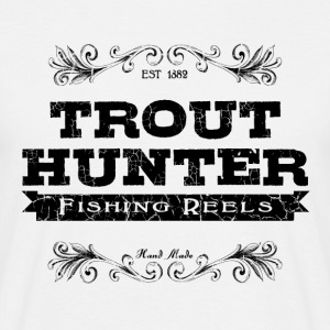 trout hunter Tee shirts - T-shirt Homme