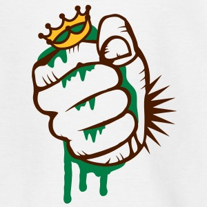 A fist crushing the frog king Shirts - Kids' T-Shirt