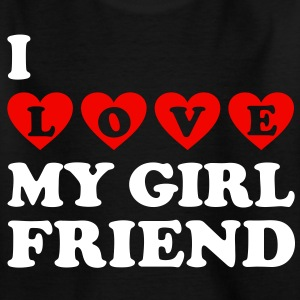 I love my girlfriend. Amo a mi novia.  Camisetas - Camiseta niño