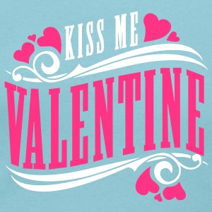 kiss me valentine T-Shirts - Women's Scoop Neck T-Shirt