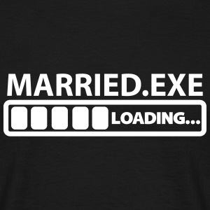 married exe loading T-Shirts - Männer T-Shirt