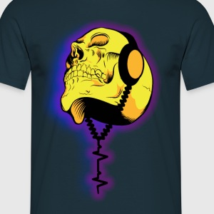Skull with Headphones T-Shirts, Totenkopf T-Shirt - Männer T-Shirt