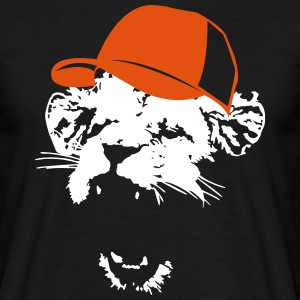 Lion with baseball cap  T-Shirts - Men's T-Shirt