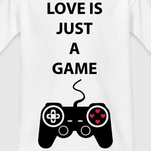 Love is just a game 2c Shirts - Kinderen T-shirt