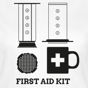 Coffee First Aid Kit T-Shirts - Frauen T-Shirt