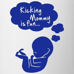 kicking mommy is fun... Flaschen & Tassen - Tasse