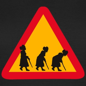 Attention! Grandma`s coming - Frauen T-Shirt