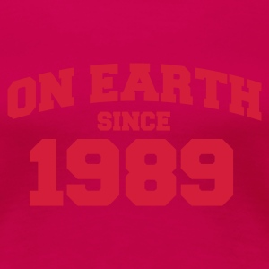 Light pink onearth1989 T-shirts - Vrouwen Premium T-shirt