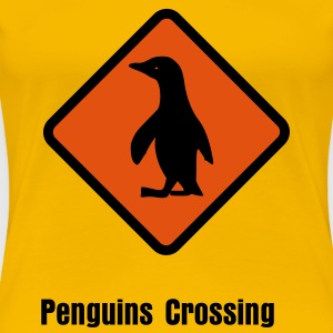Penguins Crossing - Frauen Premium T-Shirt