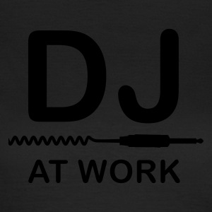 Olive DJ at Work T-Shirts - Frauen T-Shirt