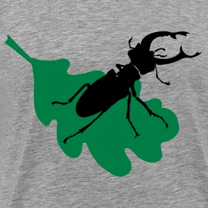 Stag beetle on leaf - Men's Premium T-Shirt