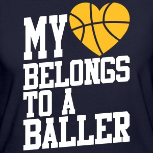my heart belongs to a baller T-shirts - Vrouwen Bio-T-shirt