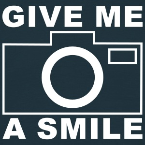 give me a smile T-Shirts - Männer T-Shirt