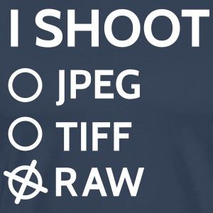 I shoot raw disparo raw Camisetas - Camiseta premium hombre