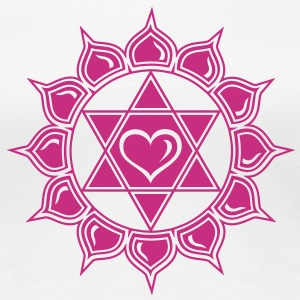 Heart chakra - Anahata, c, Centre of love and compassion Camisetas - Camiseta premium mujer