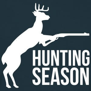 deer hunting T-Shirts - Men's T-Shirt