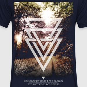 mystic forest triangles T-shirts - Mannen T-shirt met V-hals