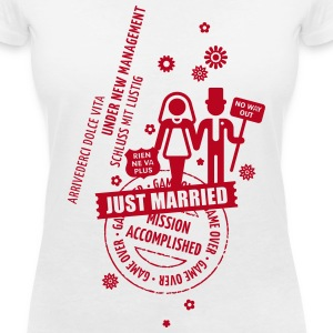 Hochzeit / Wedding / Mariage / Casamiento T-Shirts - Women's V-Neck T-Shirt