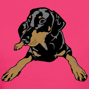 Dobermann Pinscher lying T-shirts - Vrouwen Bio-T-shirt