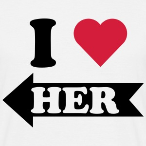 I love her (links) T-Shirts, Partner T-Shirts - Männer T-Shirt