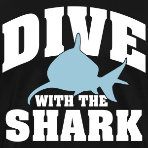Dive wiht the shark T-shirts - Herre premium T-shirt