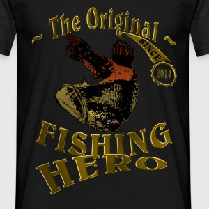 Fishinghero Gold 2014 T-Shirts - Männer T-Shirt