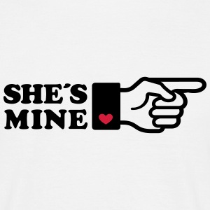 Girlifriends love gift Finger She is mine heart Tee shirts - T-shirt Homme