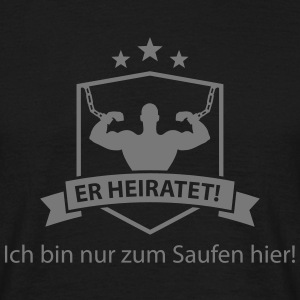 er_heiratet T-Shirts - Männer T-Shirt