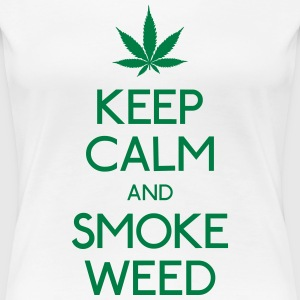 keep calm and smoke  mantener la calma y humo  Camisetas - Camiseta premium mujer