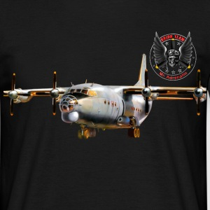 Transport aircraft Antonov-12 T-shirts - Mannen T-shirt