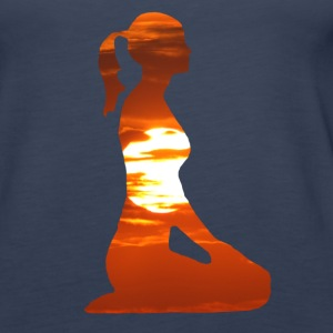 Yoga woman meditating in the evening sun Tops - Women's Premium Tank Top