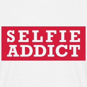 selfie addict T-Shirts - Men's T-Shirt