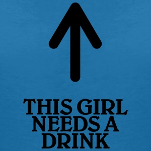 This girl needs a drink T-shirts - T-shirt med v-ringning dam