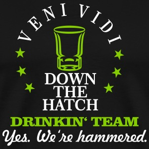 drinkin' team - yes. we're hammered (2c) T-Shirts - Männer Premium T-Shirt