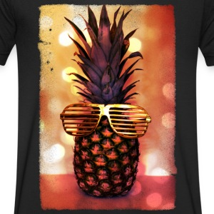 grill glass pineapple - grill brille ananas T-Shirts - Men's V-Neck T-Shirt
