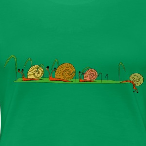 snails in the garden T-shirts - Vrouwen Premium T-shirt
