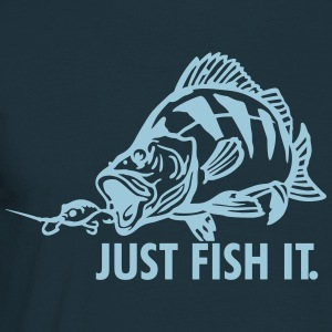 barsch_just_fish_it T-Shirts - Männer T-Shirt