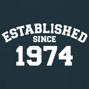 Established 1974 T-Shirts - Männer T-Shirt