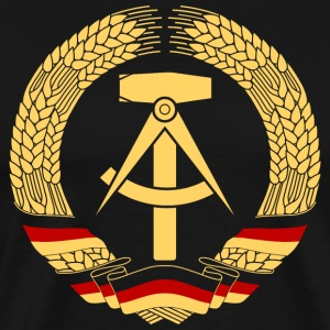 East Germany Crest Flag Wreath GDR DDR Emblem T-skjorter - Premium T-skjorte for menn