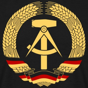 East Germany Crest Flag Wreath GDR DDR Emblem T-shirts - T-shirt herr