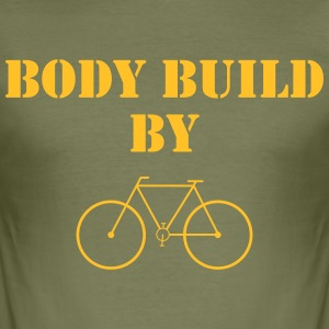 Body Build By ... T-Shirts - Männer Slim Fit T-Shirt