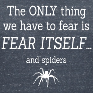 FEAR OF SPIDERS T-shirts - Vrouwen T-shirt met V-hals