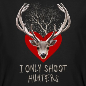 I ONLY SHOOT HUNTERS T-shirts - Mannen Bio-T-shirt