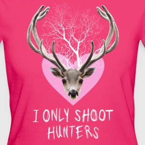 I ONLY SHOOT HUNTERS - Vrouwen Bio-T-shirt